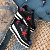 Estrella Roja Negro