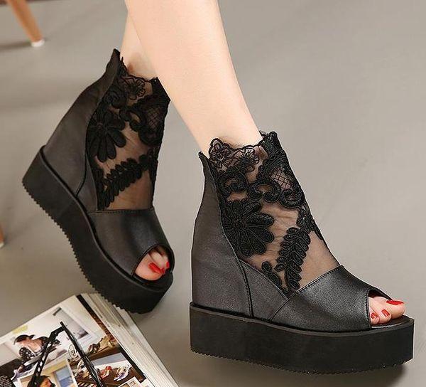 Black peep toe, come with box