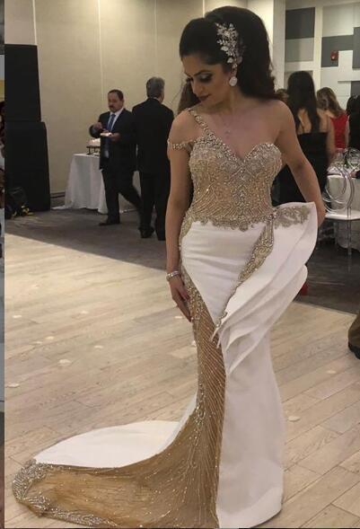 Lujosos y elegantes vestidos de noche africanos 2019 Un hombro con cuentas cristales Sirena Vestidos de baile Fiesta formal formal Vestido de dama de honor Vestidos