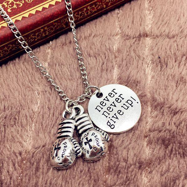Ancient Argent Never Never Give Up Letter Tag Gants de boxe Pendentif Collier English Inspirational Creative Designer Bijoux Collier Femme
