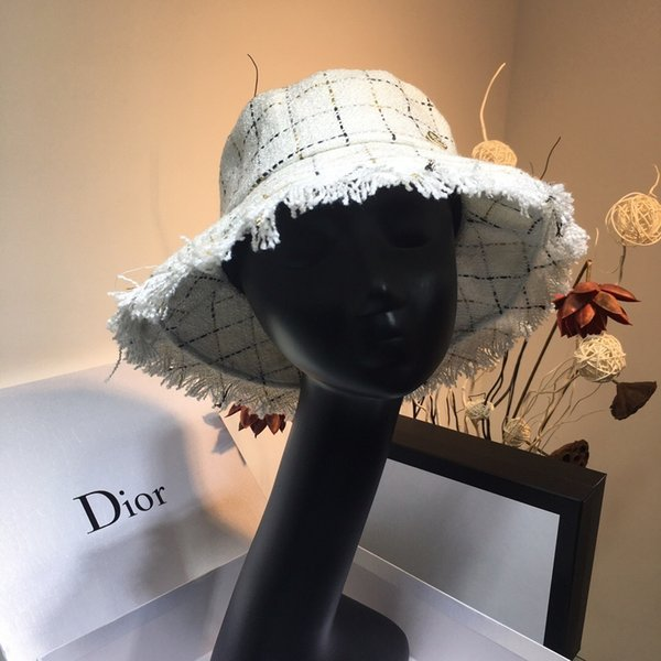 Designer di lusso primaverile e nuovo cappello di design retrò di lusso a testa piatta intrecciata in oro Lady Straw Eaves protezione solare estivo