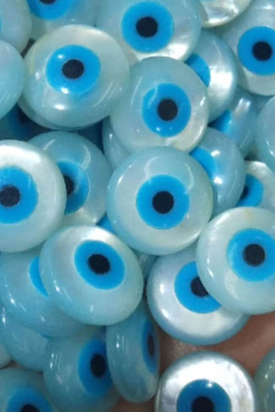 top popular Large 20mm-4mm 20pcs genuine Mother Of Pearl Shell Evil Eye cabochon, round disc coin Beads, DIY Jewelry Supplies Eearrings 2021