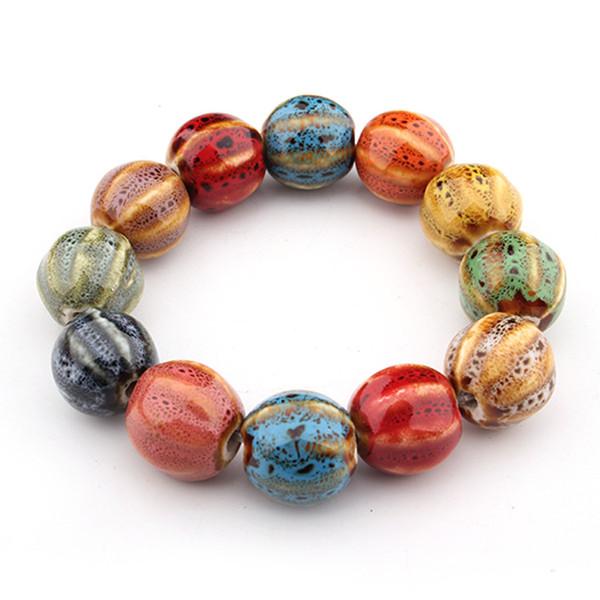 Bracelet en céramique avec perles multicolores en porcelaine émaillée faites à la main.