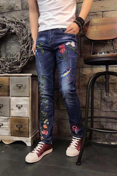 Diseño original de calidad superior de los hombres Personalidad Única Jeans Delgados Aves y flores Patrón de Bordado Jeans Jeans de Motocicleta No.778