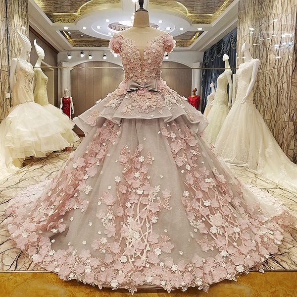 2019 New Ball Gown Dubai Wedding Dresses With Sleeves Sexy Deep V Neck Flowers Women Non Traditional Bridal Gowns Luxury Custom Made
