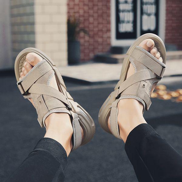 Sandálias dos homens novos dos homens Sapatos Leve Não-deslizamento Ao Ar Livre Sapatos de Praia Sapatos de Praia Estilo Romano Caminhadas masculino