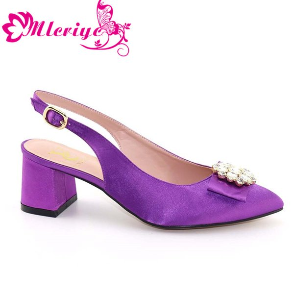 Italian Gold Shoes Open Toe Sexy Ladies Shoes Party Slip on Elegant Low Heels Women Wedding Shoe Pumps Decorated with Rhinestone