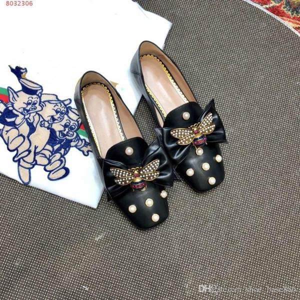 Mode Frauen flache Sandalen rote und schwarze weiße Schuhe Elegant frei von Vulgarity High-End-Atmosphäre mit Staubbeutel