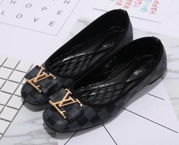 2019 Kadın ayakkabı Slayt Huaraches Moda Tasarımcısı ayakkabı Ayakkabı Ayakkabı Giymek için Şık bayanlar flats B12 ile giy ...