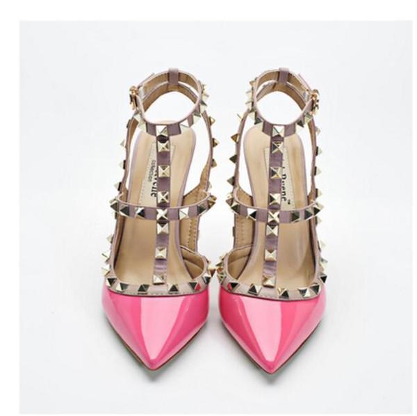 Tasarımcı Çiviler ile Yüksek Topuklu sivri Burun 2-Strap mat Deri perçinler Sandalet Kadınlar Çivili Strappy Elbise Ayakkabı sevgililer yüksek topuk 7fg