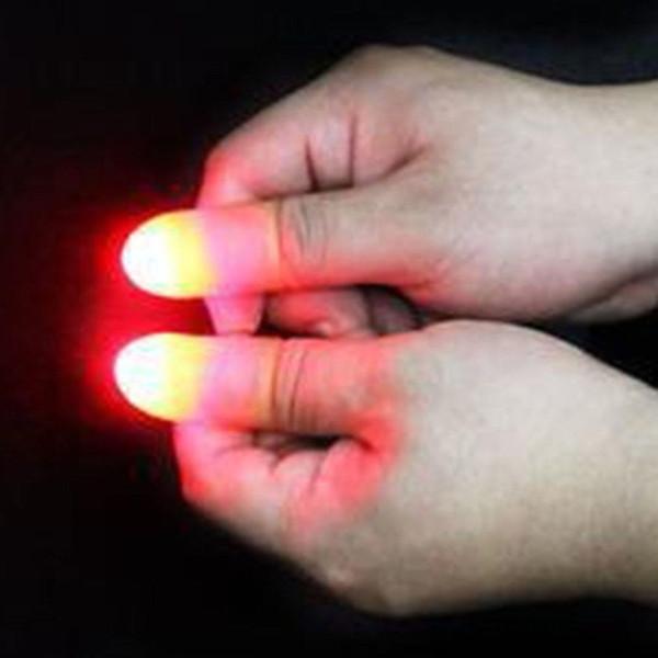 빛 닫습니다 나타나는 2PCS 자 발광 장난감 매직 라이트 업 발광 엄지 손가락 트릭 최대 발광 엄지 손가락을 ight