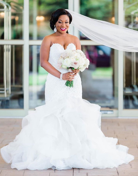 2019 Lace Plus Size Mermaid Wedding Dresses Sweetheart Ruffles Appliques Wedding Bridal Gowns Tiers Robe De Mariee DM006