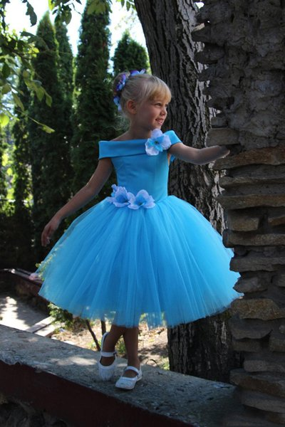 Elagant Light Blue Flower Girls Dresses For Wedding with Off Shoulder Hand Made Birthday Party Flowers Blue Tulle Satin A Line First Commun