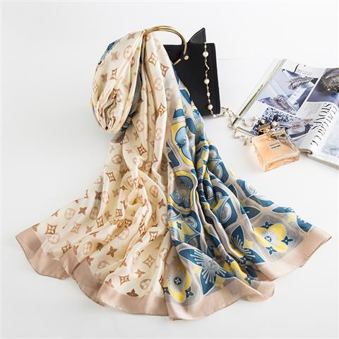 2019 New foreign trade cross-border for women's silk scarves Spring and summer sunscreen UV beach shawl scarves