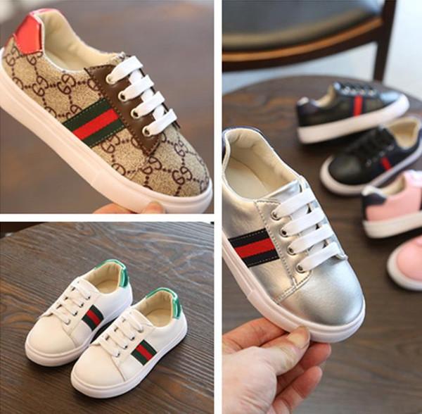 Bize boyutu: 9,5-3,5 Çocuk Ayakkabıları Yaz yeni stil Çocuk ayakkabıları erkek moda çocuk tuval yağmur sandalet cut-out nefes daireler ayakkabı