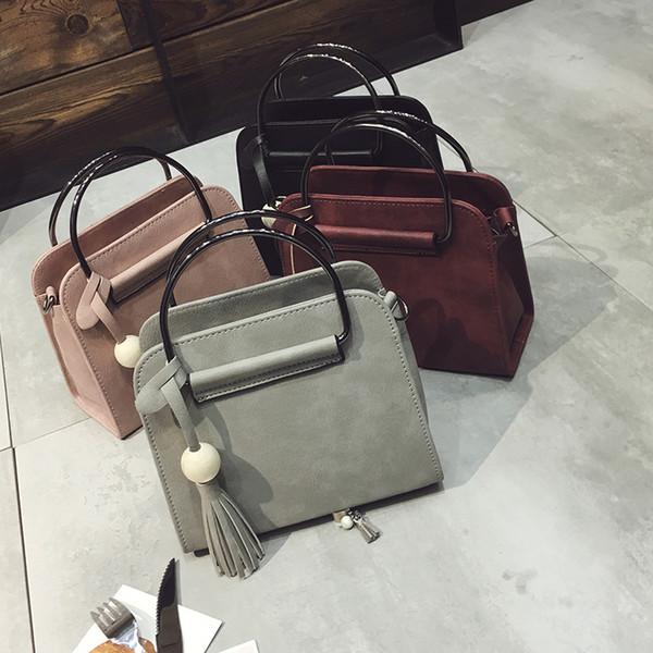 Livraison gratuite, 2019 nouveaux sacs à main pour femmes, rabat simple mode, sac à bandoulière version coréenne rétro, sac à bandoulière pour femme Tassel. J190426