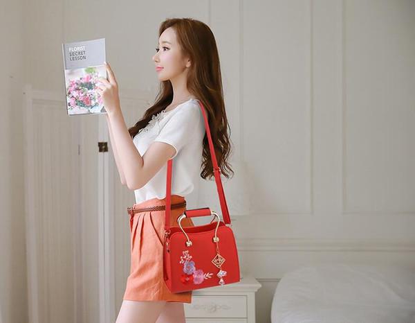 Bordado de flores Bolsos de mujer Bolsos de hombro de lujo de moda femenina Bolso bandolera vintage de diseño Bolso de mano de alta capacidad