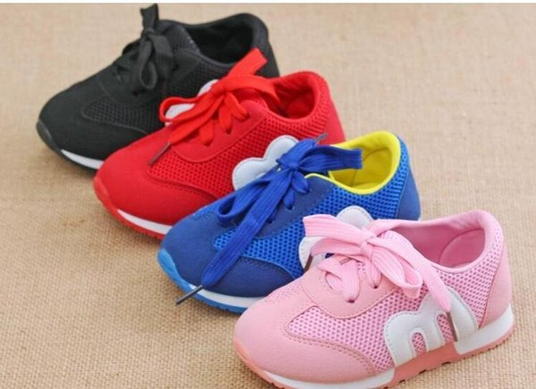 Новая весна дети сетка Письмо м обувь девочек и мальчиков спортивная обувь AntiSlip мягкие нижние дети кроссовки