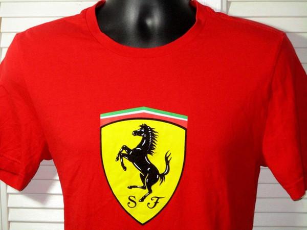 Scuderia Compra T-Shirt personalizzata ~ Taglio europeo ~ Uomo S-M ~ Rosso W / Stallion ~ Non usato! Fake Designer Clothes Novelty Cool Tops Uomo manica corta T-Sh