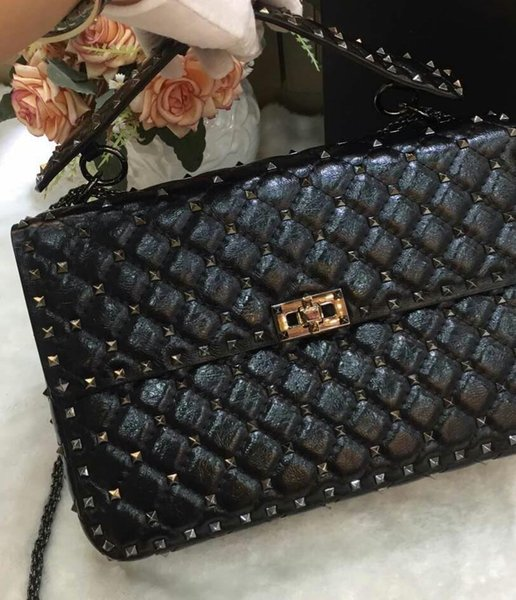 2018 new genuine leather high fashion handbag diamond lattice metallic black rivet papaya print cow leather full start evening big size 30cm
