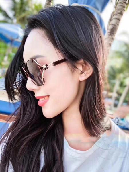 Tasarımcı Güneş Gözlüğü Lüks Güneş Gözlüğü Tasarımcı Cam Bayan Moda Adumbral Gözlük UV400 Modeli ile 2391 5 Renkler Kutusu ile Yüksek Kalite