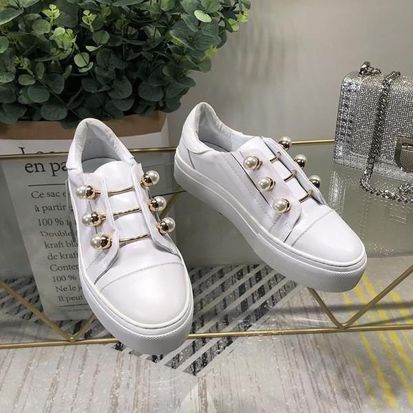 Kadın Sneakers Kadın Ayakkabı Beyaz Renk İnci Dekor Düşük En Marka Pist Yıldız Ayakkabı Kadın Flats Metal Dekor Günlük Ayakkabılar Slip On
