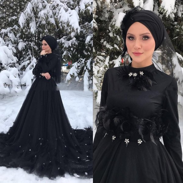 Gothic Black Long Sleeves Islamic Muslim Wedding Dress Hijab High Neck Crystal Feather Court Train Arabic Dubai Wedding Dresses