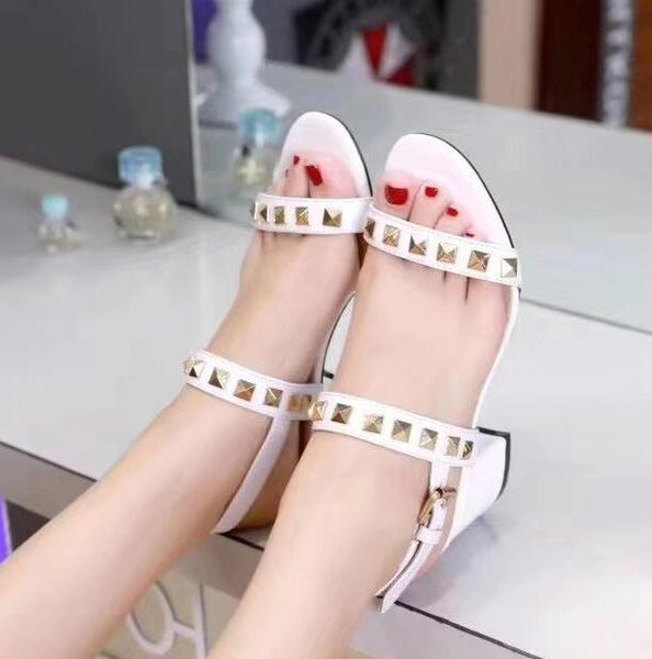 2019 fashion brand women gladiator sandals chunky heel party shoes ladies spike stud sandals rivets stud high heels