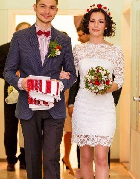 top popular 2020 Simple Full Lace Wedding Dresses Jewel Short Wedding Dresses Long Sleeve custom made Bridal Dress 2019
