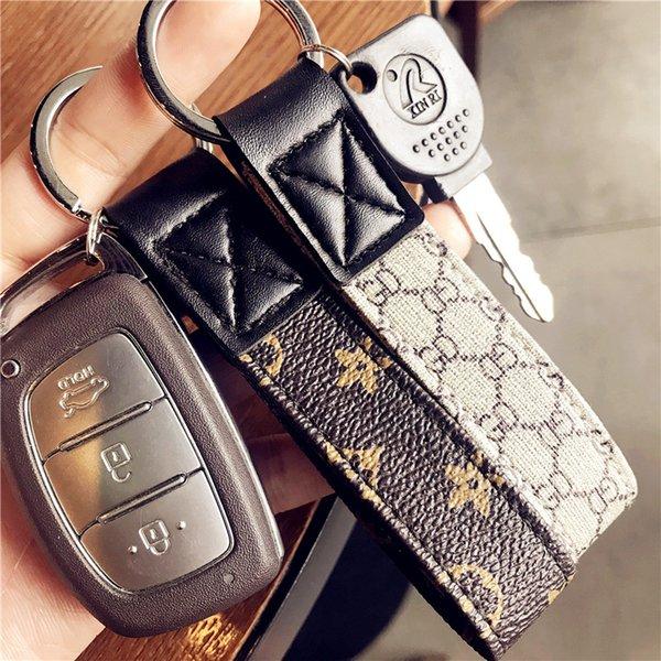 Europa e américa estilo chave anéis para homens mulheres estilo de negócios simples chaveiro de couro com impressão clássico chave do carro colhedor
