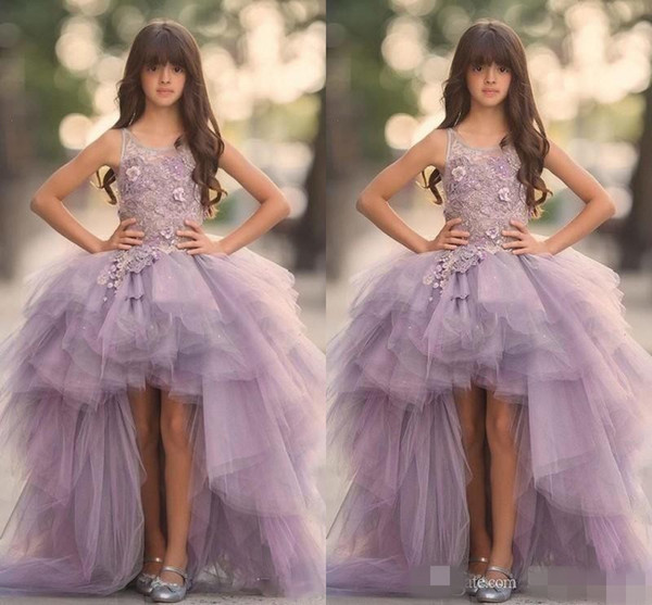 2020 Lavender High Low Girls Pageant Gowns Lace Applique Sleeveless Flower Girl Dresses For Wedding Purple Tulle Puffy Kids Communion Dress
