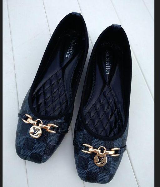 2020 femmes chaussures grande taille 35-42 chaussures mode Huaraches glissière Designers Sneakers pour porter par dames élégantes chaussures appartements 36-42