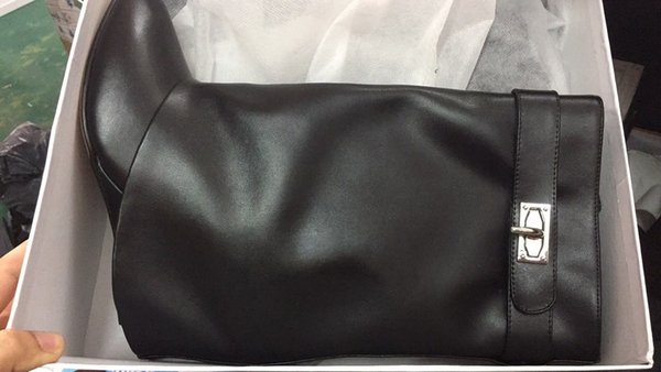 black smooth leather+1 strap