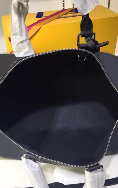 griglia nera con manico cinturino nero