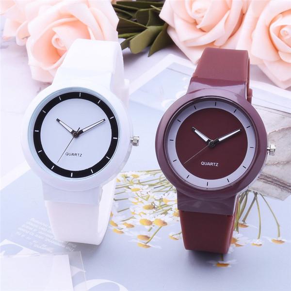 Moda Orologi delle donne della vigilanza del braccialetto delle signore della fascia di quarzo analogico rotonda Orologio da polso orologi in silicone orologio Relogio Masculino S20