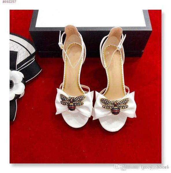 Summer new leather water diamond Bee Bow decoration toe toe High heels Sexy fashion retro Women sandals
