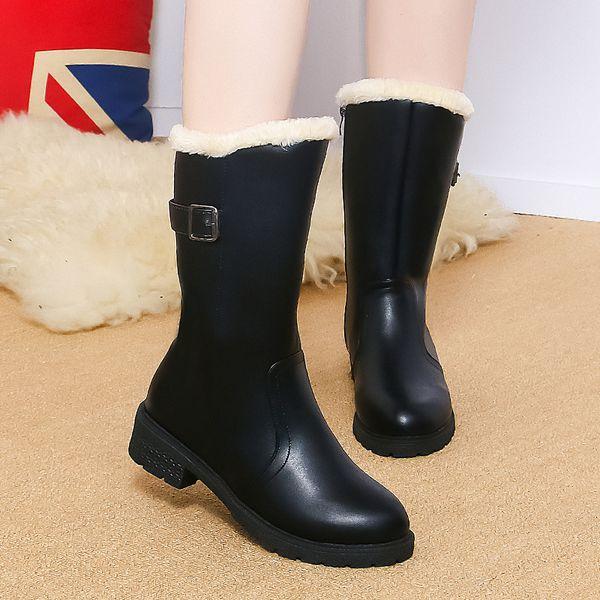 Hot sale leather boots women 2018 New Europe America Plush Ladies snow boots zipper Keep warm Leisure black flat boots women