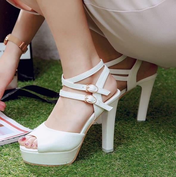 Büyük küçük boyutlu 31 32 34-42 43 gladyatör sandaletler tasarımcı slaytlar ayak bileği kayışı platform ayakkabı lüks bayan ayakkabı tasarımcısı