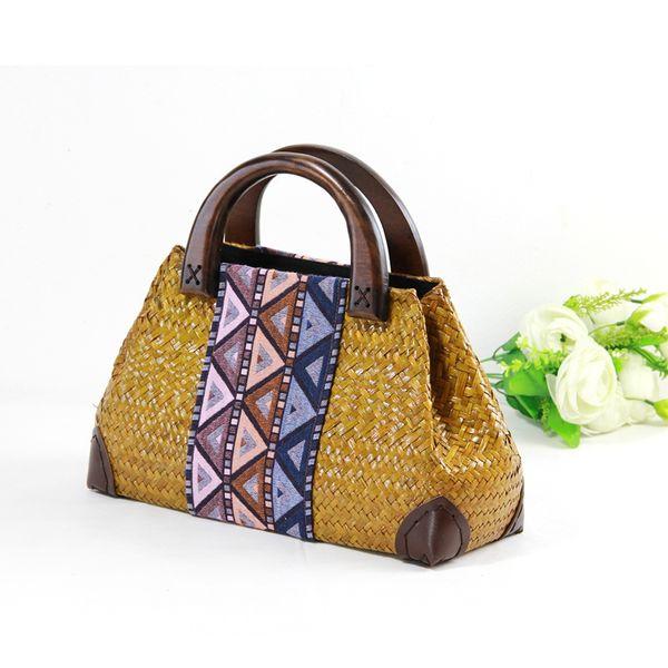 Designer-Thai versione della sezione erba della borsa da spiaggia in legno di moda retrò rattan tessitura borsa da spiaggia all'ingrosso