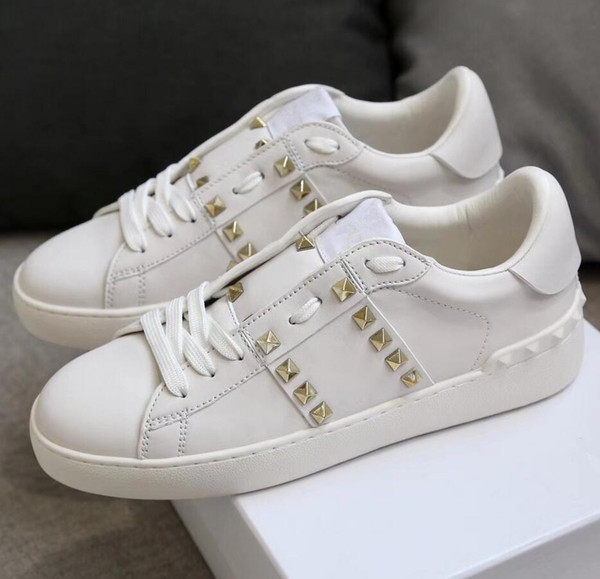 2018 fashion Studded shoes Designer brand Casual Shoes wholesale dress shoe gold Rivets Flat Shoes woman shoe man sneaker lady boy girl shoe