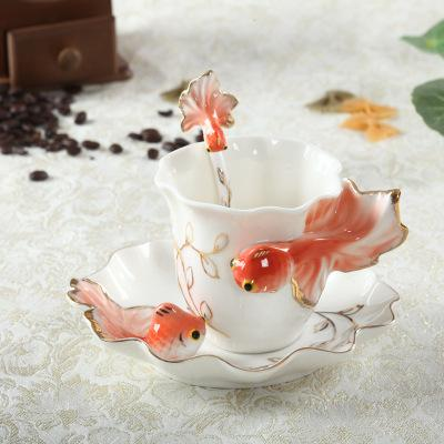 Creative 3D Goldfish Ceramic Enamel Ceramic Coffee Tea Cup With Saucer and Spoon Set High-grade Porcelain Cup Wedding gift