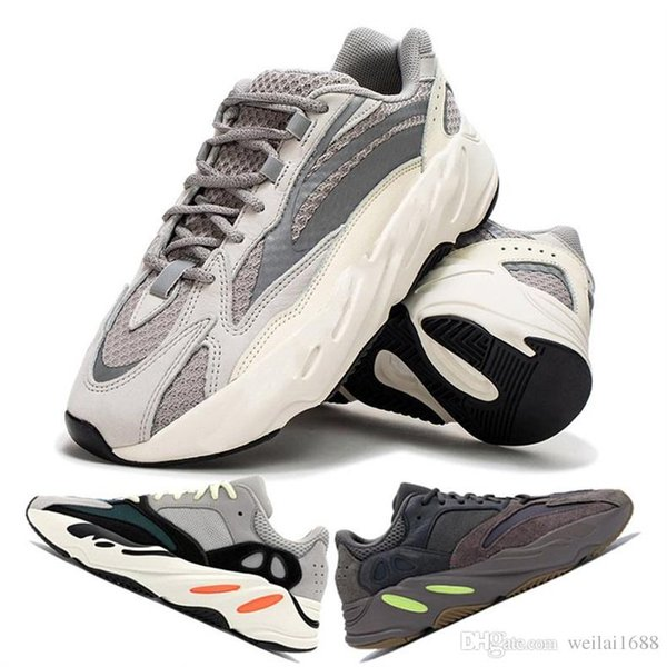 2018 New Breathable 700 Runner Leather and Mesh Casual Shoes Runner 700 Tech Bubble Cushion fashion luxury mens women designer sandals shoes