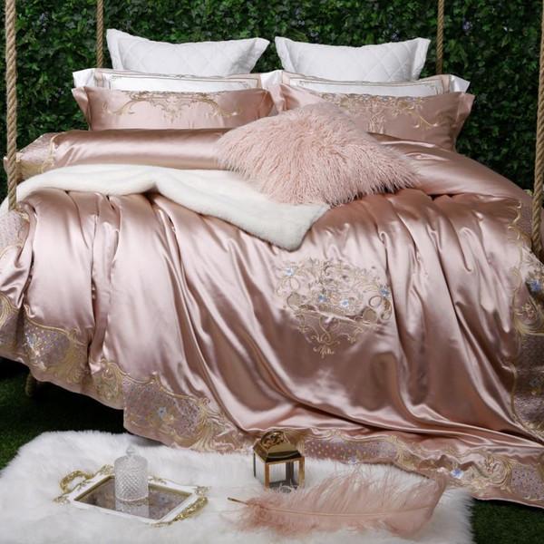 Blanco púrpura bordado edredón edredón cubierta de lujo Hojas de cama suave de algodón egipcio Cama Sábana ajustable en conjunto King size Queen 4 / 7pcs