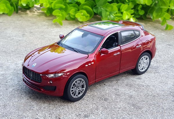 1:32 Scale Luxury SUV Die-cast Alloy Metal Car Model For Maserati Levante Collection Off-road Vehicle Model Toys Car