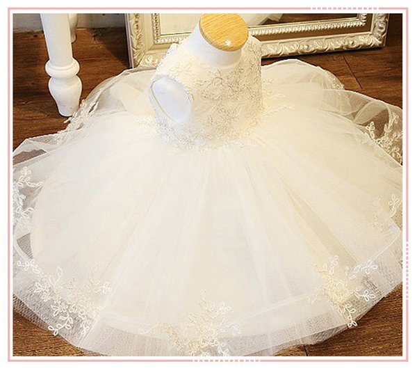 2018 White Tulle Baby Wedding Party Dresses Gorgeous Princess Dress Big Bow Baby Girl Christening Birthday Dress For Baptism Y19061001