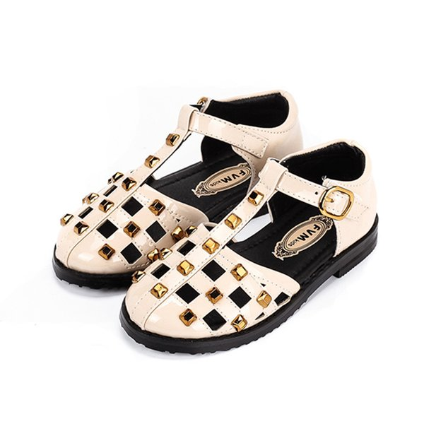 Children Hook & Loop Non-slip Sandals Girls Rivet Close Toe Beach Sandals Kids Patent Leather Summer Shoes Size 26-30