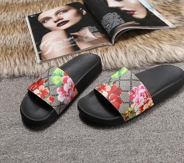 Con Box 2018 Slides Estate Designer Beach Indoor Fashion Flat G Sandali Slippers House Infradito Con sandalo Spike Alta qualità