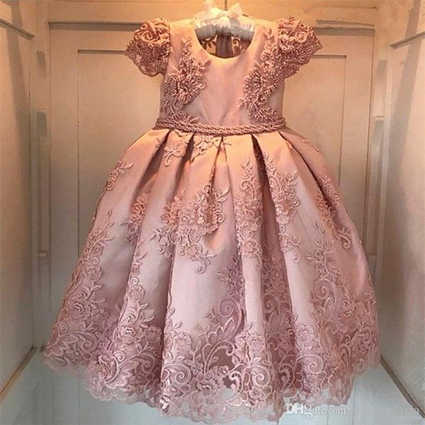 202 Cute Cheap New Flower Girl Dresses Blush Pink First Communion Gowns For Girls Ball Gown Cloud Beaded Pageant Gowns