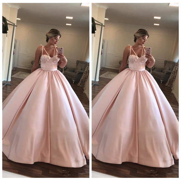 2020 Spaghetti Strips Ball Gown Quinceanera Dresses Flowers Adorned 16 Sweety Pink Vestidos De Prom Party Gowns Customized Junior