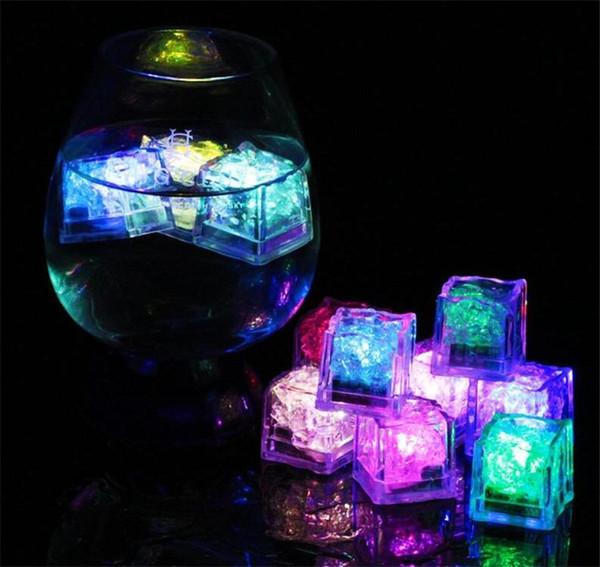 Rocas LED multicolor de los cubos de hielo intermitente sumergible de LED se encienden Cubos de hielo para Bar fiesta de la boda del club Evento regalo Champagne Torre Decoración